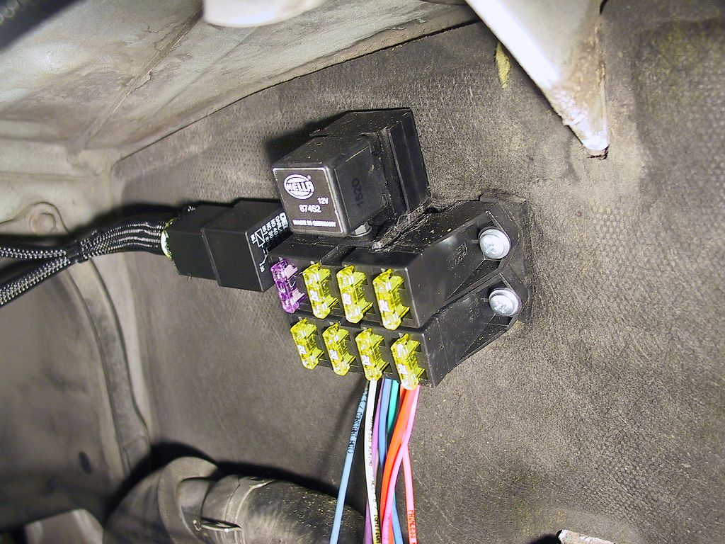 Installing An Auxiliary Fuse Panel